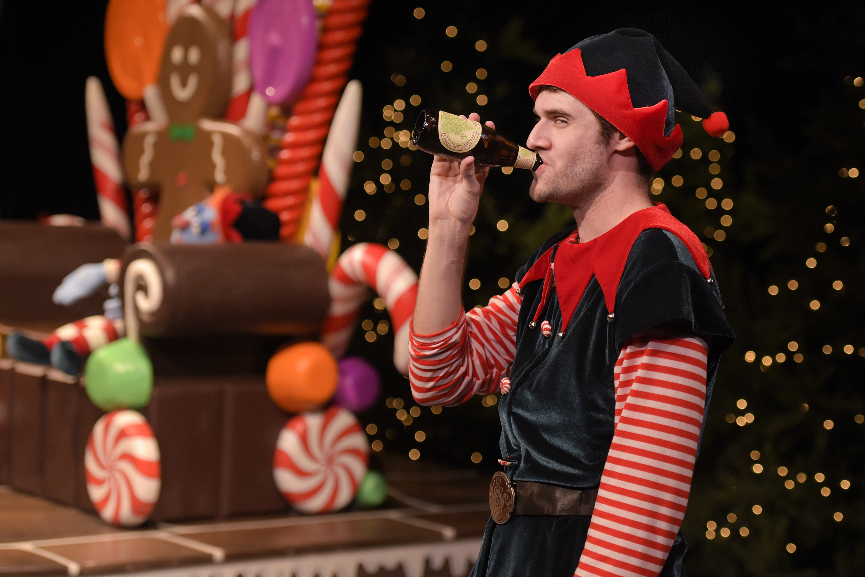 Theatreworks Presents The Cure For Holiday Hype The Santaland